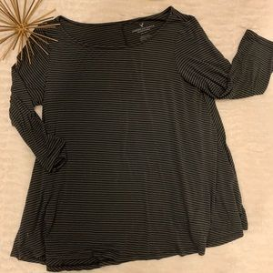 Like New American Eagle Black / Gray Stripped Top